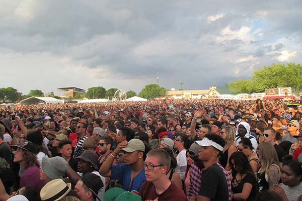 Sounset Crowds